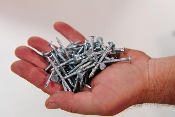 Kroužkové hřebíky IKO pro šindele