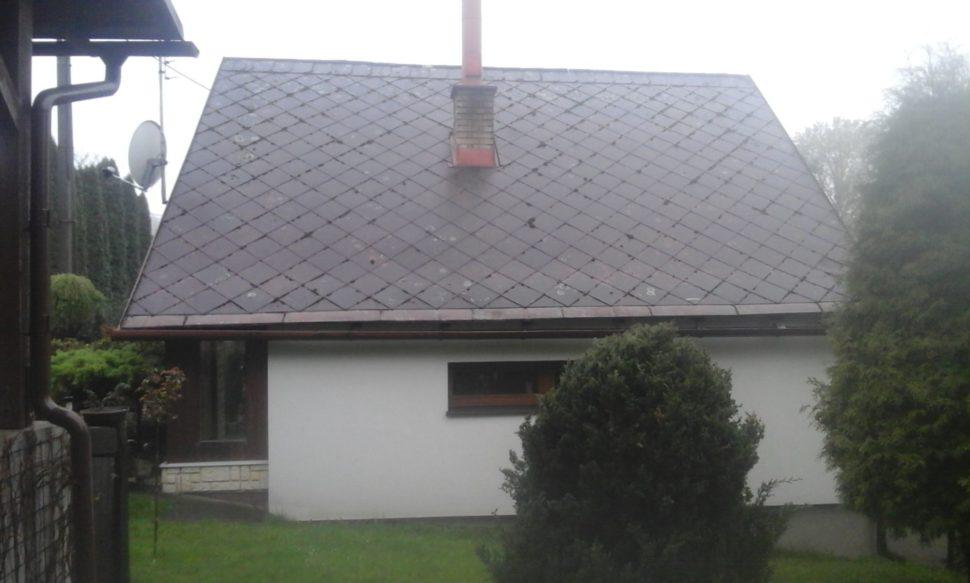 eternitová střecha před rekonstrukcí