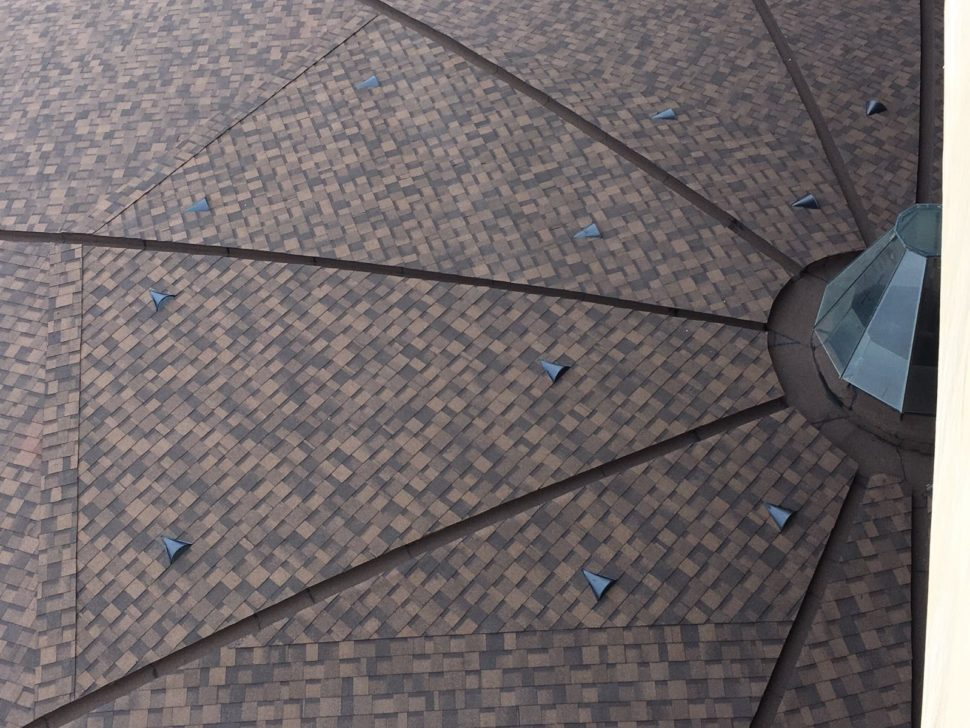 IKO Cambridge dual brown kuzelovita strecha detail