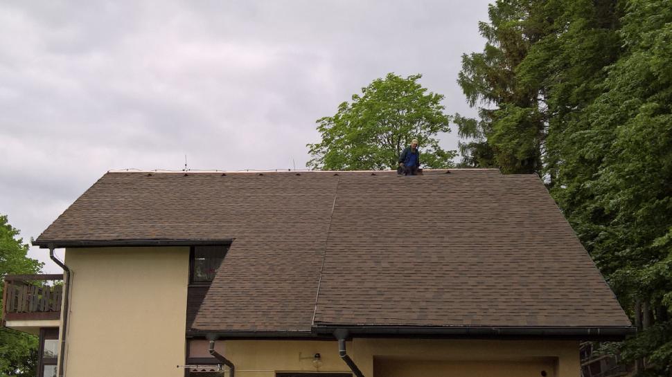 IKO Cambridge dual brown strecha POrekonstrukci detail